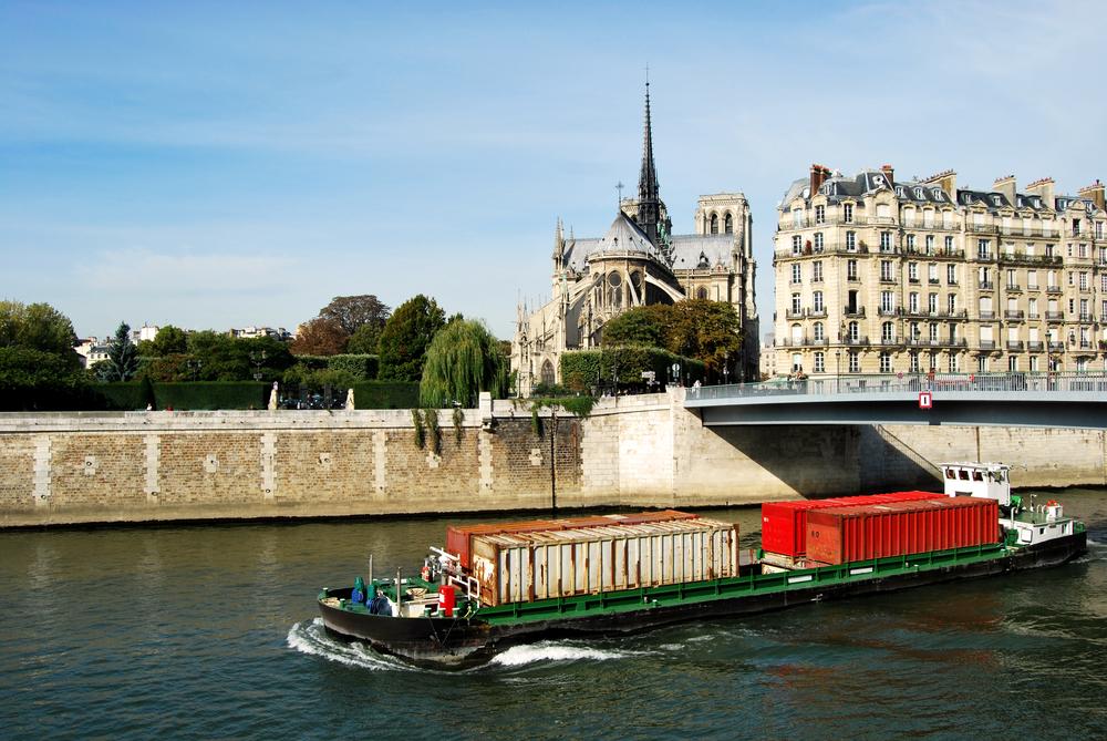 Ferrero France, inauguration livraison sur la Seine