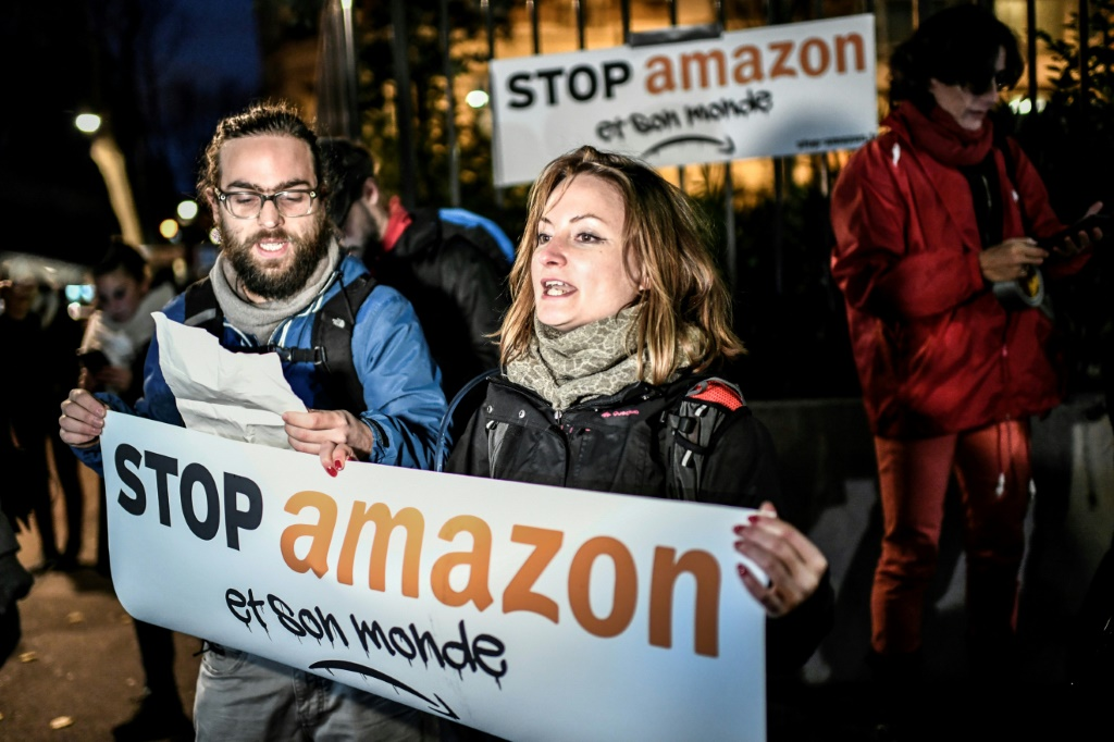 Manifestations contre Amazon