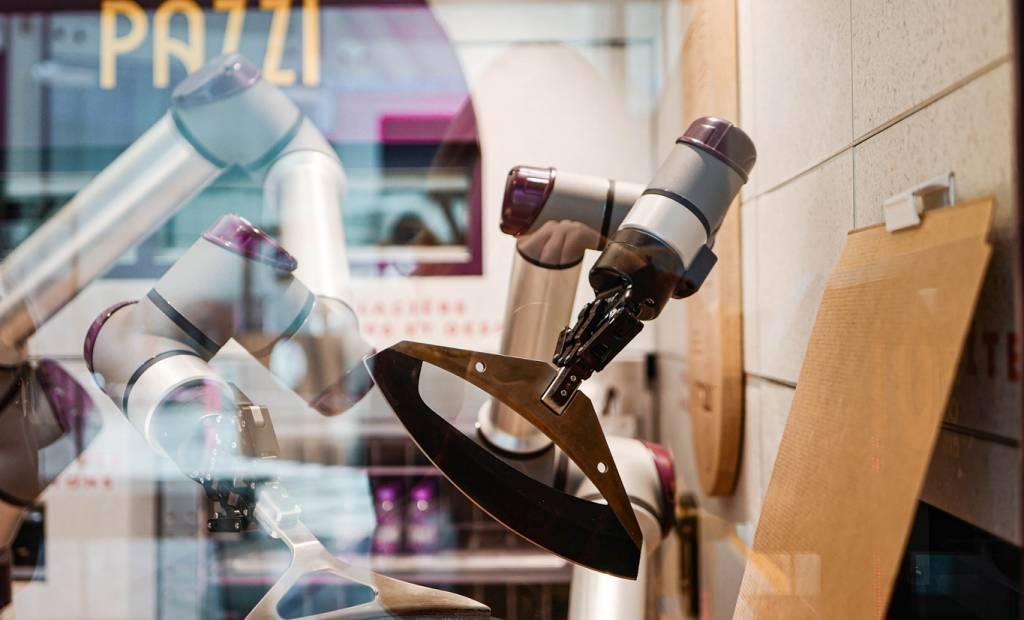 Pazzi, le robot qui fabrique les pizzas, s'installe à Paris