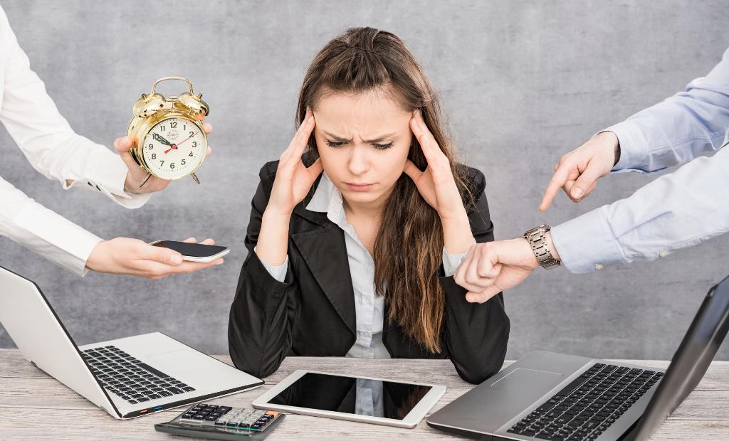 Risques psychosociaux : burn-out, bore-out, brown-out : comment les prévenir ?