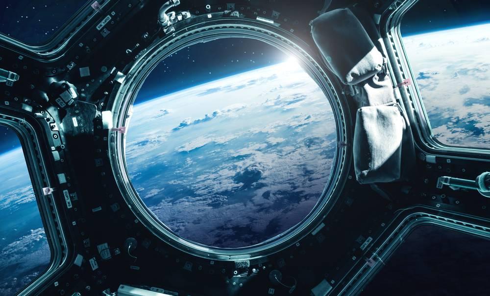 Tourisme spatial : SpaceX envoie quatre touristes dans l'espace
